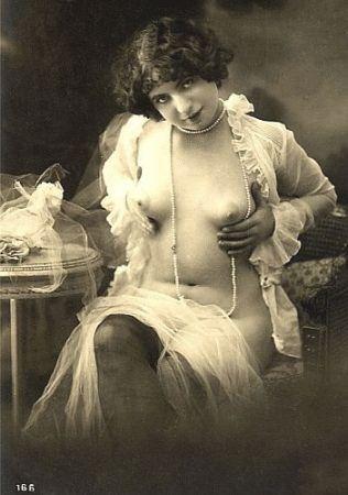 smiling vintage nude