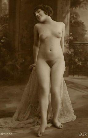 confident vintage nude
