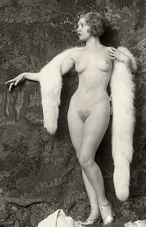 vintage nude with her fur