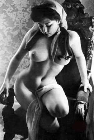 vintage beauty nude