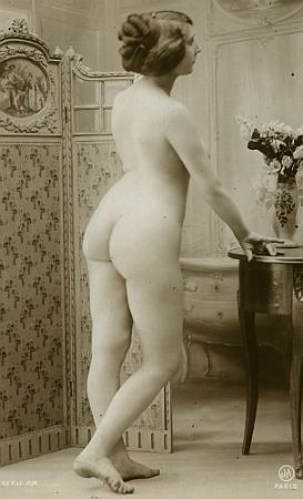 vintage nude with flowers