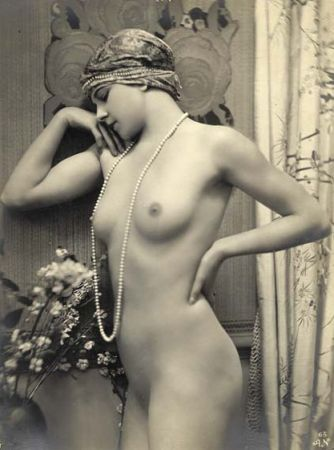 vintage lovely in pearls
