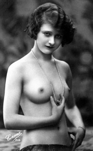 pretty vintage nude
